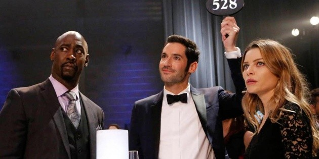 The best spoiler-free memes about Lucifer's return to Netflix