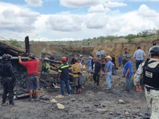 Siete trabajadores quedan atrapados tras el colapso de una mina de arrastre en México