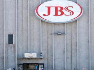 La productora de cárnicos JBS paga 11 millones de dólares para liberar su sistema informático de un ciberataque