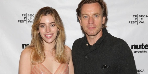 Ewan McGregor's daughter posed on the red carpet after being attacked by a dog minutes before