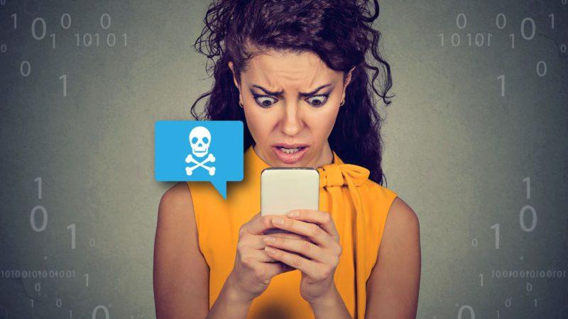 Cuidado con los SMS de tu banco CaixaBank, Santander y BBVA: Descubierto un timo Smishing