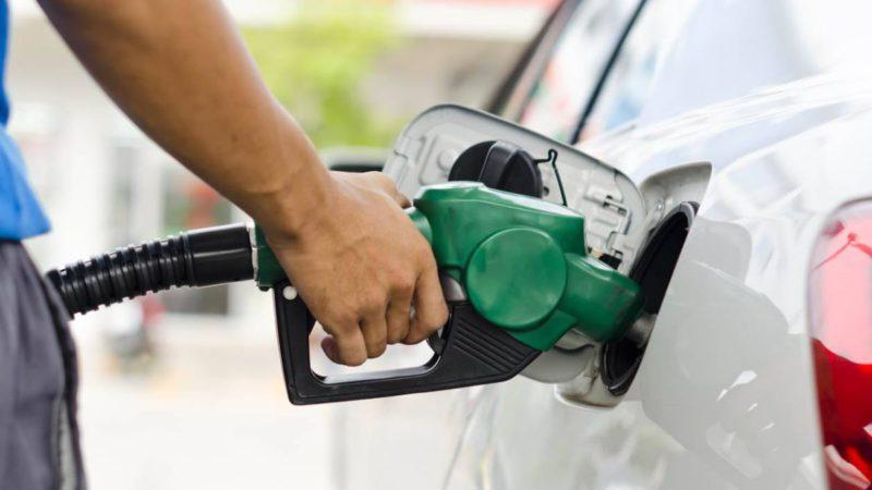Dónde está la gasolina más barata en España: Webs y apps para llenar el depósito