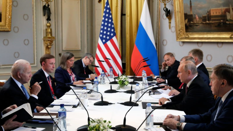 """From """"few results"""" to """"a kind of reboot"""": Politicians, experts and international media evaluate the result of the Putin and Biden summit"""