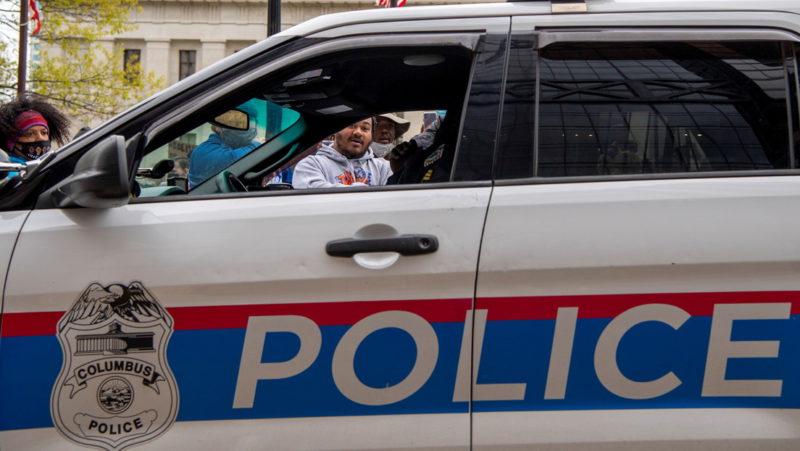 Arrestan en EE.UU. a un hombre acusado de apuñalar en múltiples ocasiones a una mujer de ascendencia asiática de 94 años