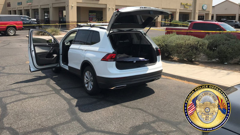 Un muerto y 12 heridos luego de que un hombre abriera fuego desde su automóvil en Arizona