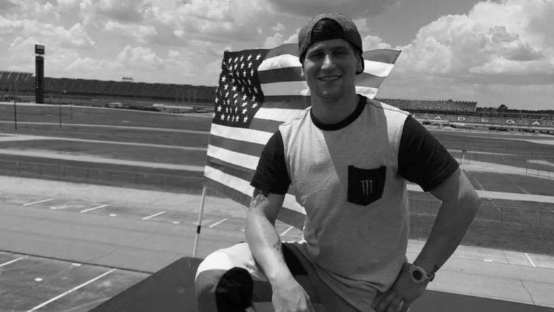 El piloto Alex Harvill fallece frente al público mientras practicaba para batir un récord mundial de salto en moto