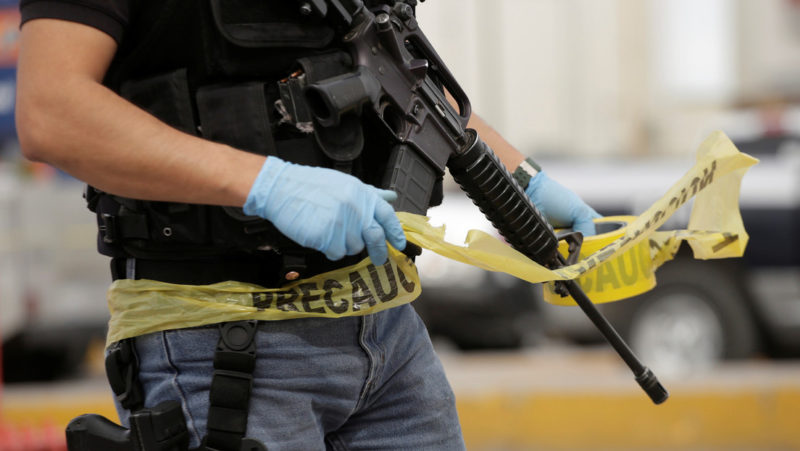 Hallan tres cadáveres colgados de un puente vehicular en el municipio mexicano de Fresnillo