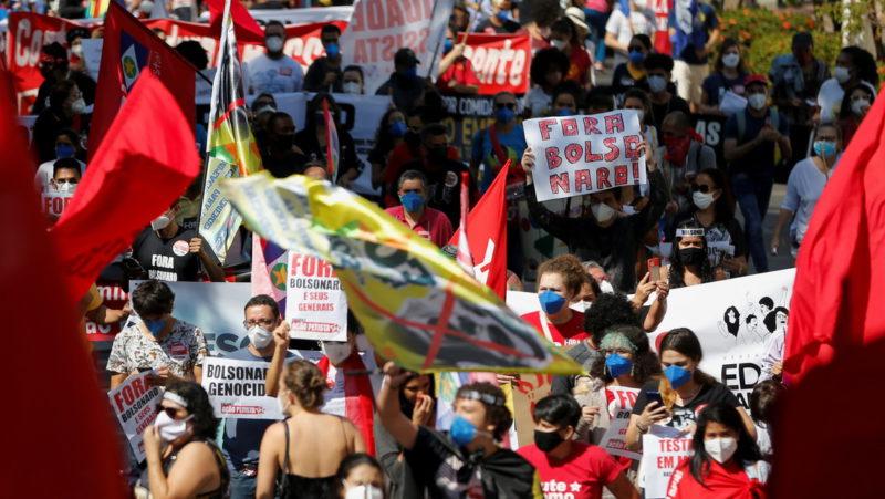 Multitudinarias protestas en Brasil contra Bolsonaro y su gestión de la pandemia cuando el país supera el medio millón de muertes por covid-19