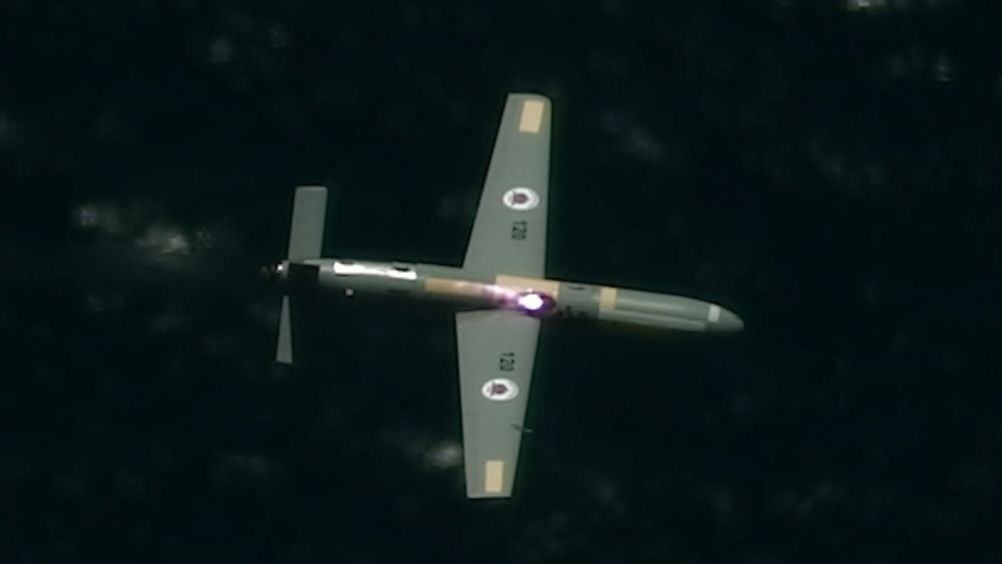 VIDEO: Israel prueba con éxito un láser que derriba drones desde un avión
