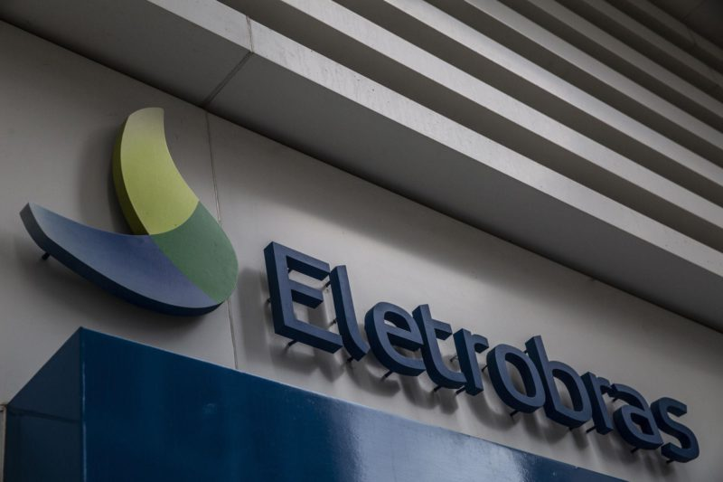 Eletrobras shares rise with privatization in sight
