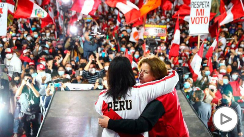 """Fujimori demands a review of the electoral records in defense of """"democracy"""" before thousands of Peruvians"""