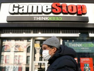 """GameStop and Other """"Meme Stocks"""" Fall After Big Hikes"""
