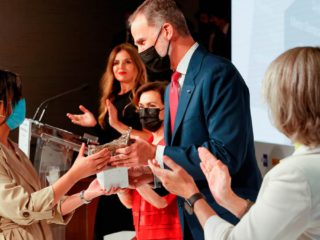 """King Felipe VI praises the value of journalism """"in the search for reliable sources in the face of hoaxes"""""""