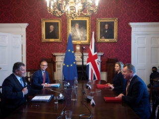London and Brussels resurrect Brexit tensions with negotiations on Northern Ireland
