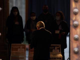 López Obrador gets stuck in Congress