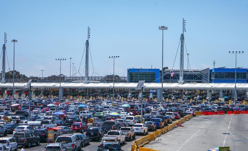 Merchants consider the border closure with Mexico discriminatory