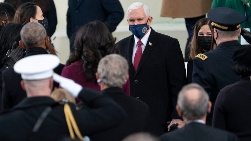 """Mike Pence is greeted with the cry of """"traitor"""" in a conservative conference"""