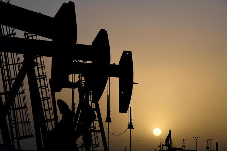 OPEC received forecast of limited growth in US crude production, for now: sources