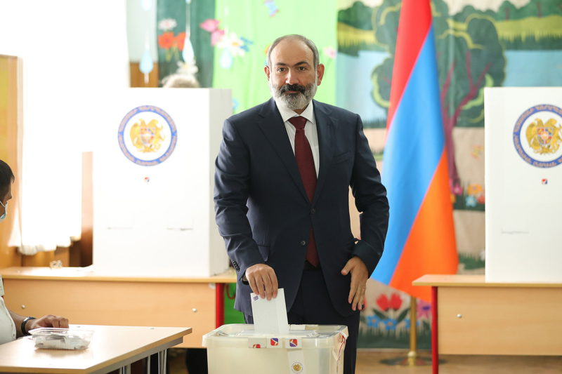 Pashinian wins the Armenian elections despite criticism for the defeat in Nagorno Karabakh