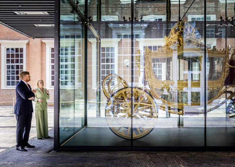 The golden carriage of the kings of the Netherlands: symbol of racism?