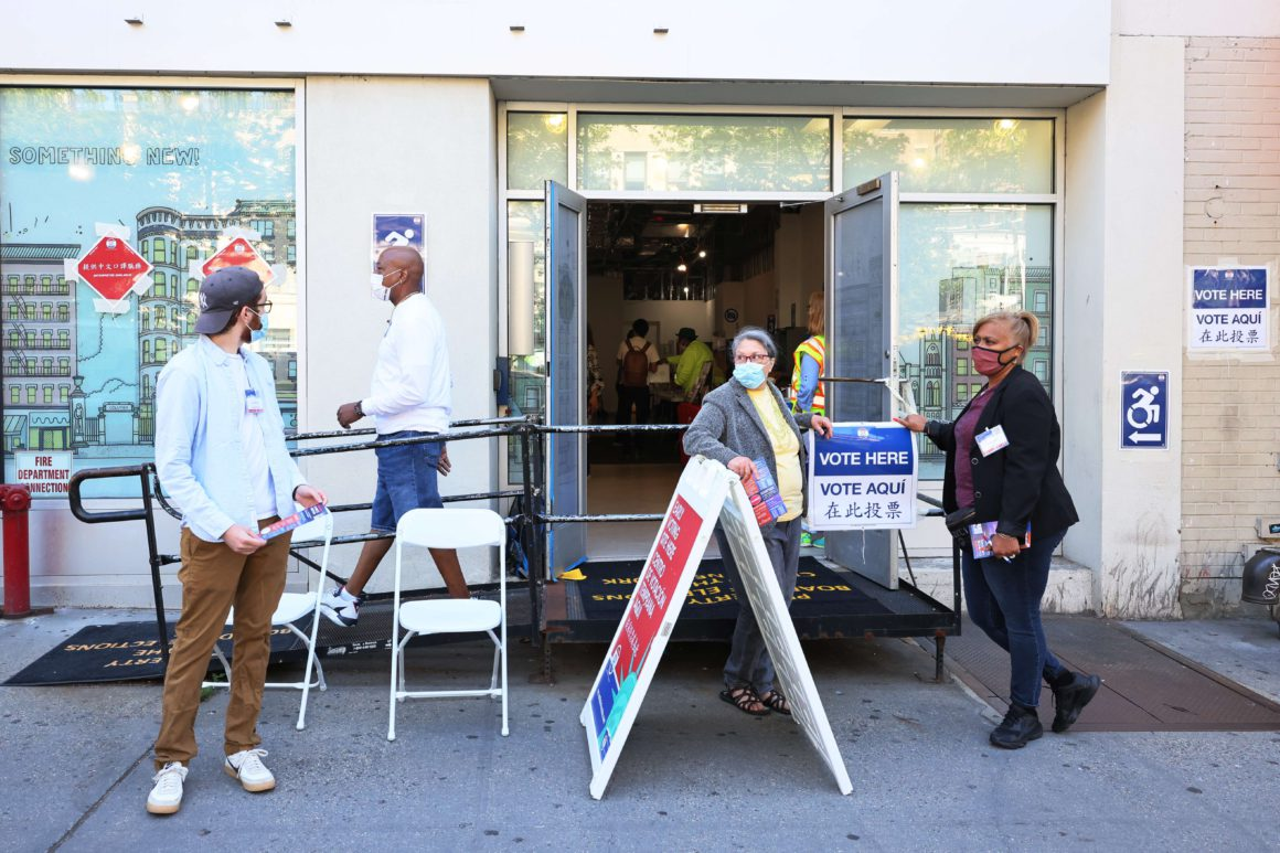 Tight Democratic primaries elect New York mayoral candidate