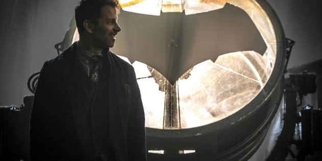 Twitter censored Zack Snyder for his image of Batman and Catwoman!