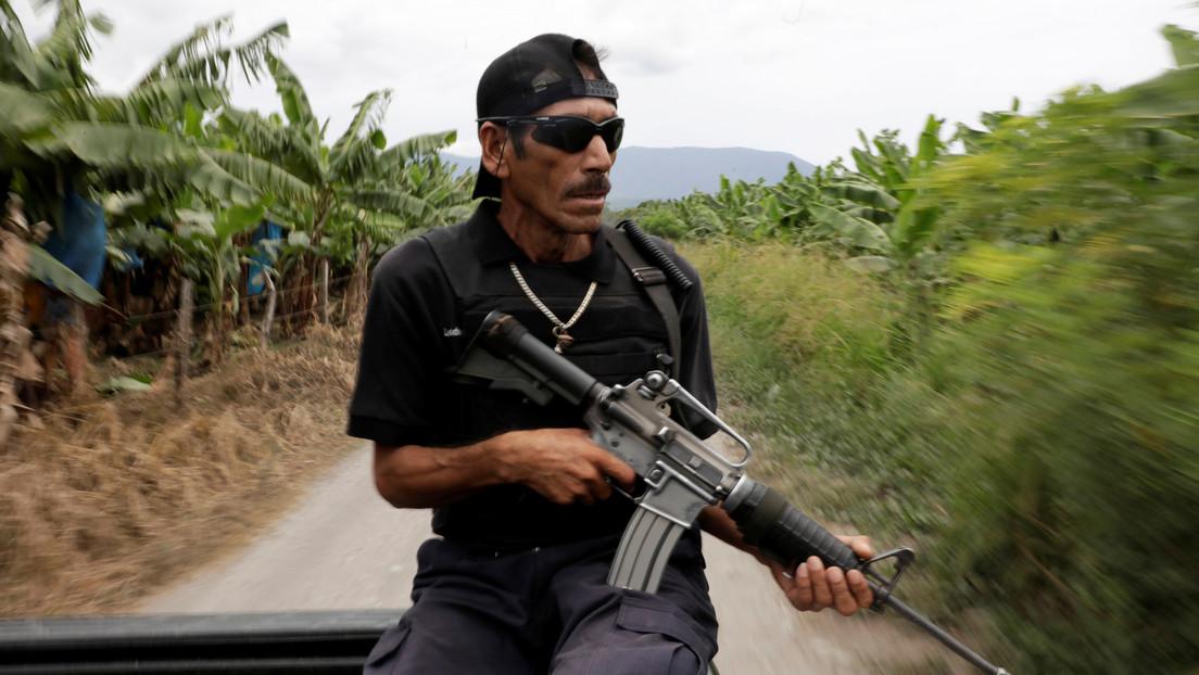 Aparece en México un frente armado irregular contra los cárteles que estaría formado por unos 3.000 productores de aguacates, y el Gobierno responde