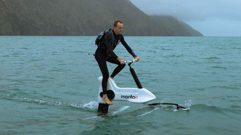 Con esta hidrobicicleta puedes pedalear sobre el agua a 20 km/h