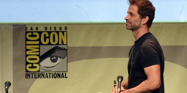 Zack Snyder lashes out at Warner Bros again