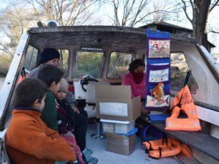 Bibliolancha, la embarcación argentina que lleva libros y cultura a las islas de la Provincia de Buenos Aires
