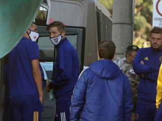 Golpes, destrozos y gases lacrimógenos: el escandaloso partido que terminó con el equipo de Boca Juniors demorado en una comisaría de Brasil