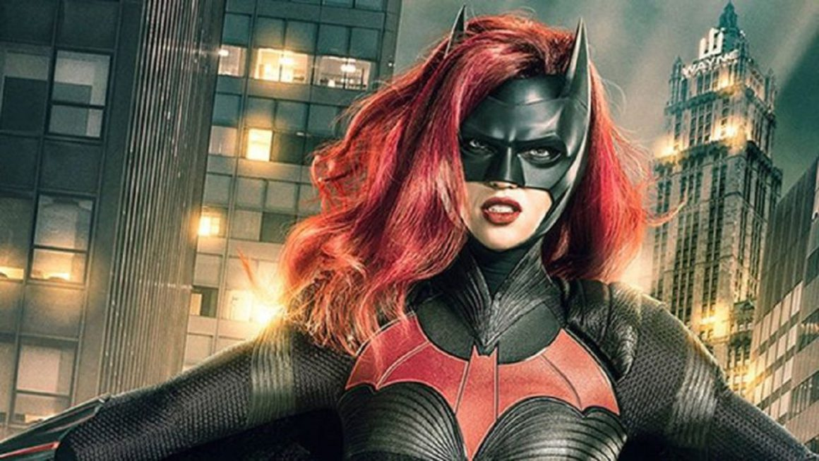 Batwoman: Renee Montoya's Gotham actress signs for the CW series