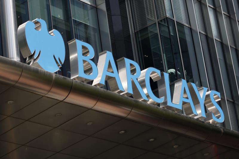 Barclays earned 4,482 million euros in the first half, 448% more