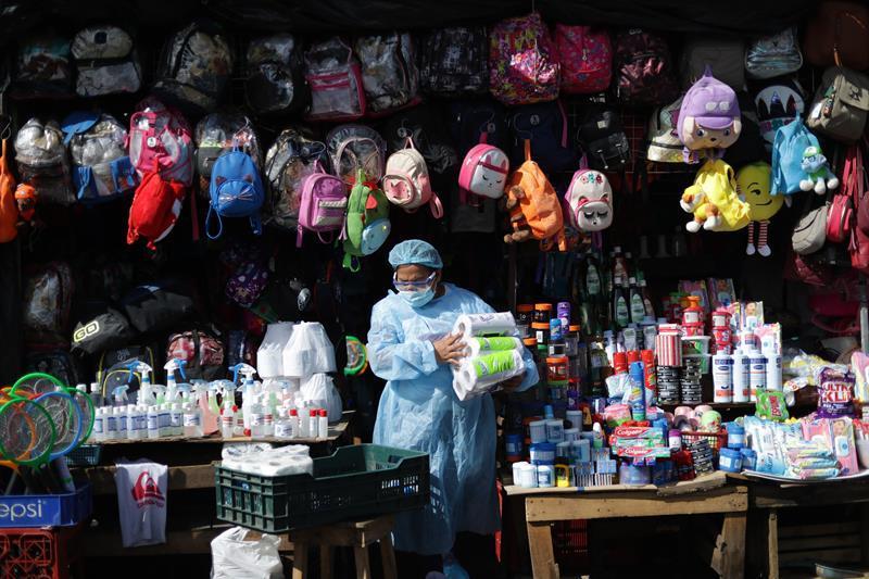 Moody's downgrades El Salvador's sovereign risk rating