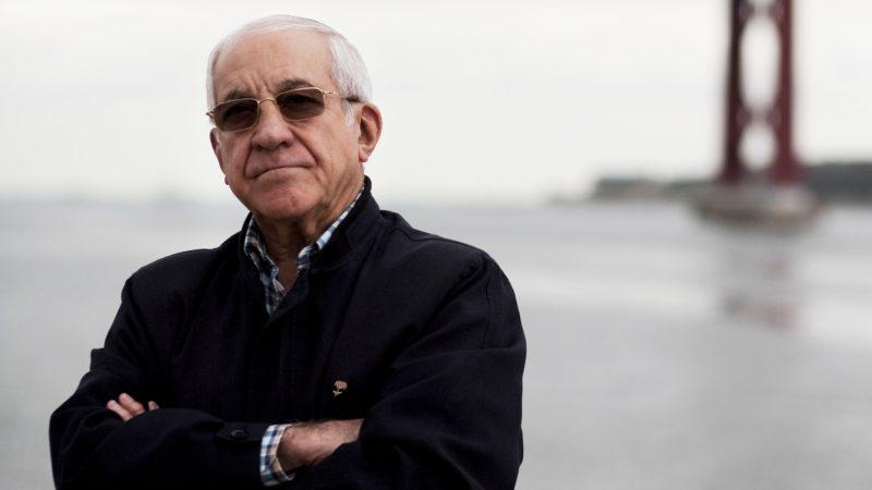 Otelo Saraiva de Carvalho, the 'brain' of the Carnation Revolution, dies