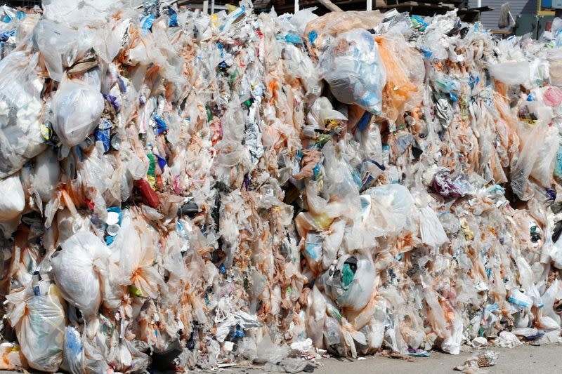 SPECIAL REPORT-Oil companies are filled with failures in their solutions for the recycling of plastics