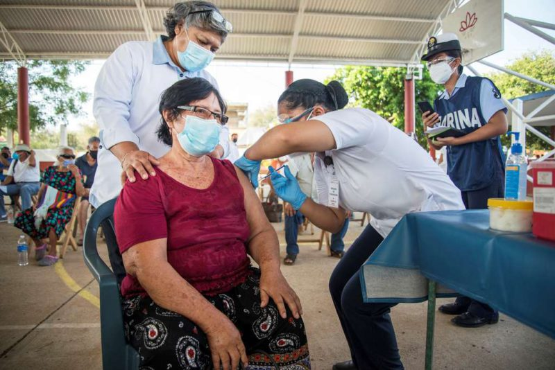 Scandal in Brazil: they investigate 30,000 people who received a third dose of the coronavirus vaccine irregularly