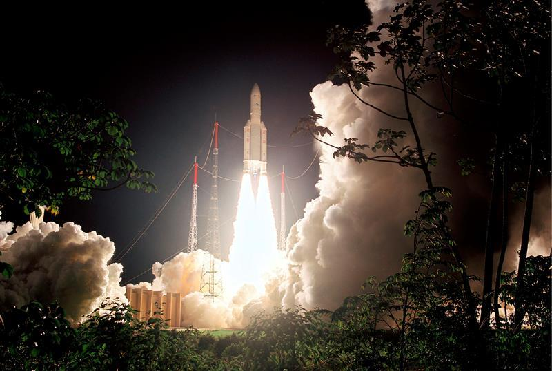 The new Eutelsat Quantum reprogrammable satellite is launched by an Ariane