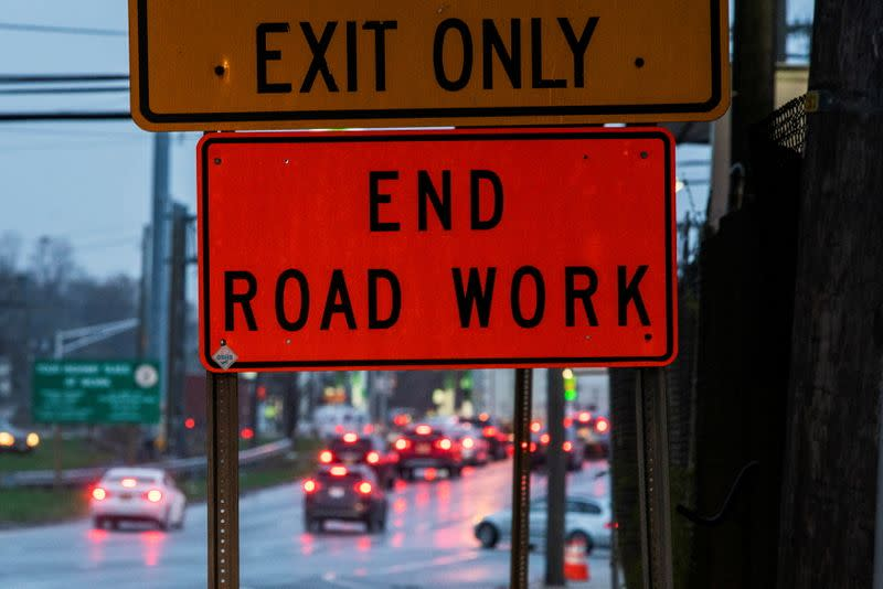 With bipartisan votes, US Senate advances Biden's infrastructure bill