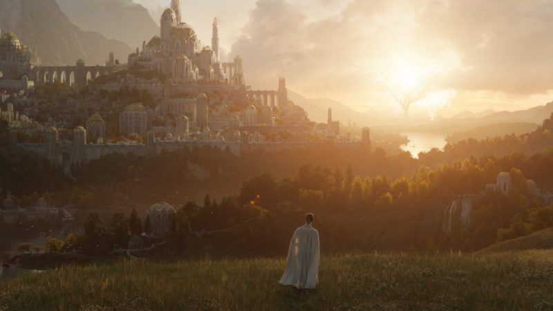 The Lord of the Rings series confirms its premiere date and shows its first image, which awakens new theories