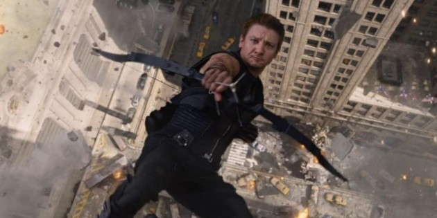 Similarities between Arrow and Hawkeye months after the premiere of the Marvel series