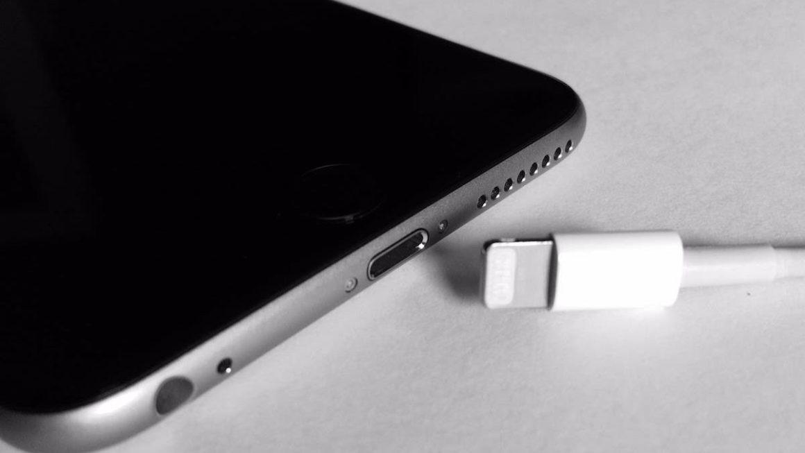 ¿El iPhone 14 con USB C y sin puerto Lightning? Europa vota que sí