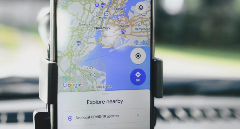 How to change the map layout in Google Maps and add details to it