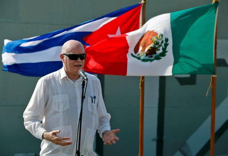 Cuba begins distributing aid to alleviate shortages, as international pressure grows