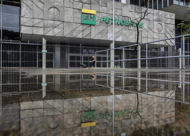 Petrobras will distribute dividends despite prioritizing debt reduction