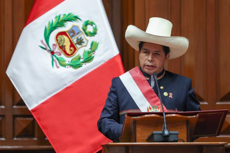President of Peru announces the end of the protest against the mining company Las Bambas