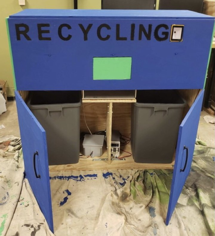 Racoon: garbage sorter with Raspberry Pi