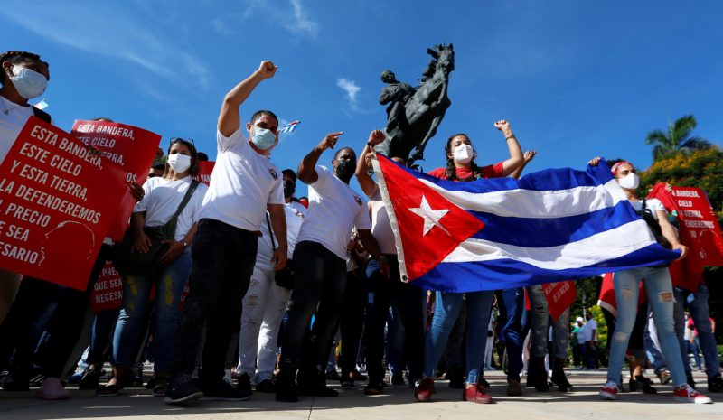 The Government of Cuba takes a mass bath to reaffirm itself in the midst of the pandemic