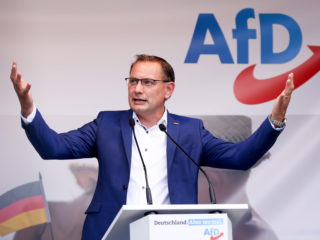 The far-right Alternative for Germany makes the defense of anti-vaccines the axis of its campaign