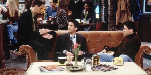 Friends arrived in Latin America and HBO Max recreated Central Perk to celebrate it